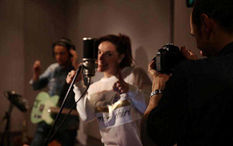 Vina Rose In the Studio
